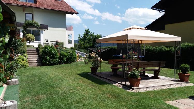Pavillon | Grillplatz | Familienwiese