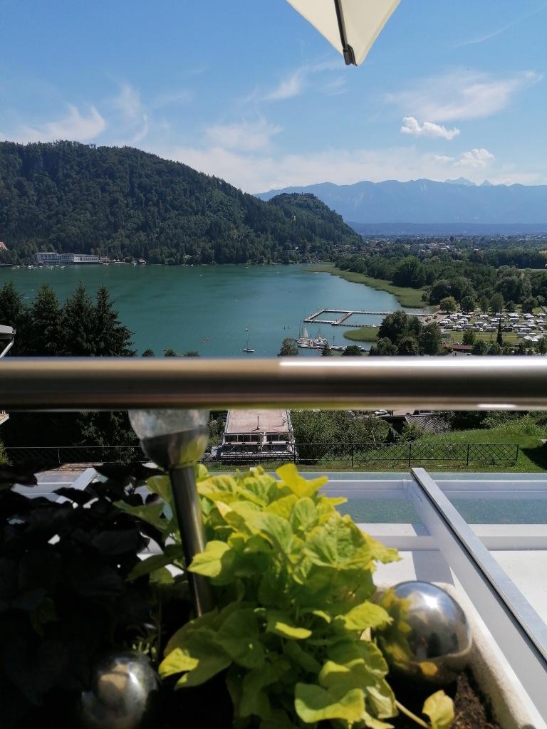 Blick zum See vom Balkon